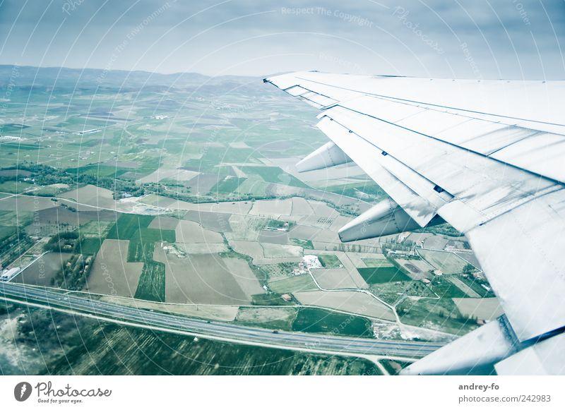 Fliegen Himmel Ferien & Urlaub & Reisen Ferne Straße kalt Landschaft Luft Feld Flugzeug fliegen Verkehr hoch Luftverkehr Technik & Technologie Tourismus Flugzeugstart