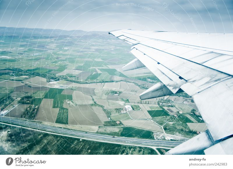 Fliegen Himmel Ferien & Urlaub & Reisen Ferne Straße kalt Landschaft Luft Feld Flugzeug fliegen Verkehr hoch Luftverkehr Technik & Technologie Tourismus