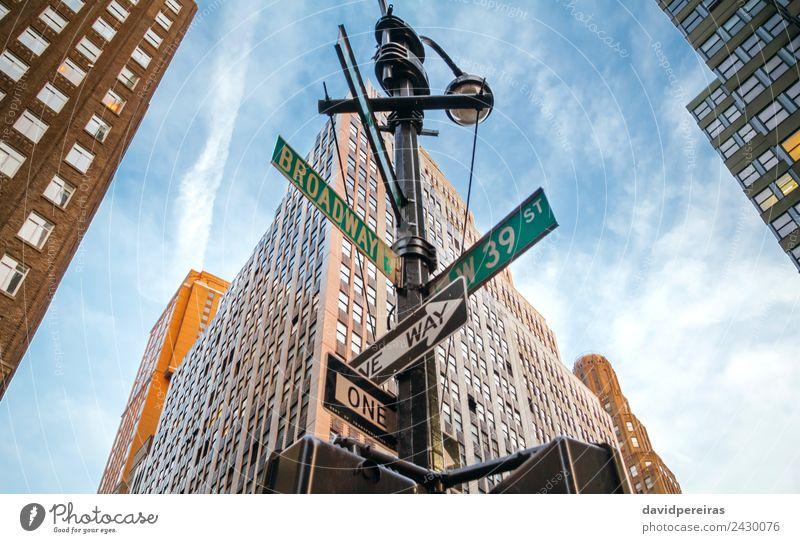Anzeichen von Broadway und West 39. in Manhattan Freude Erholung Freizeit & Hobby Ferien & Urlaub & Reisen Hochhaus Gebäude Architektur Straße historisch neu