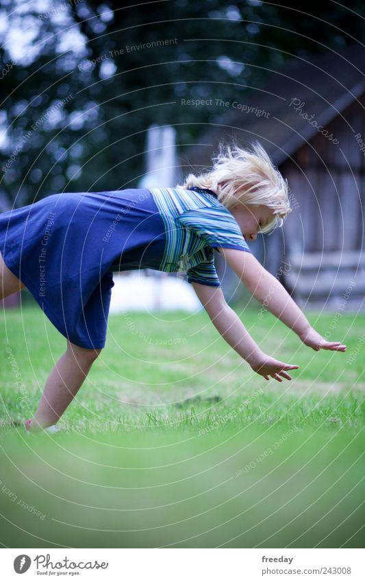 Im Falle eines Falles, ist richtig fallen alles Spielen Sommer Haus Garten Kindererziehung Kindergarten Schulkind Mensch Mädchen Kindheit Leben Haare & Frisuren