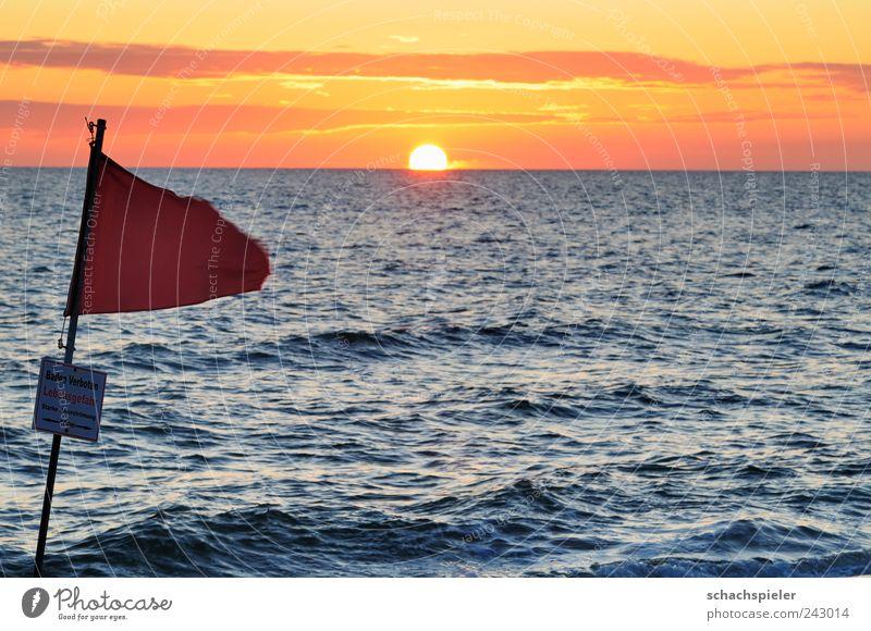 Huch - ein Sonnenuntergang Natur Wasser Sonne Meer blau rot Sommer Strand Ferien & Urlaub & Reisen Wolken gelb Erholung Küste Wellen Angst Tourismus