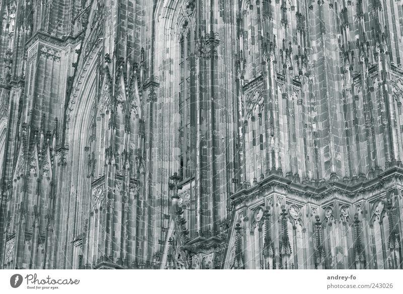 Dom. Städtereise Kirche Bauwerk Gebäude Architektur Mauer Wand Fassade Kölner Dom Stein alt Bekanntheit historisch elegant Religion & Glaube Tradition
