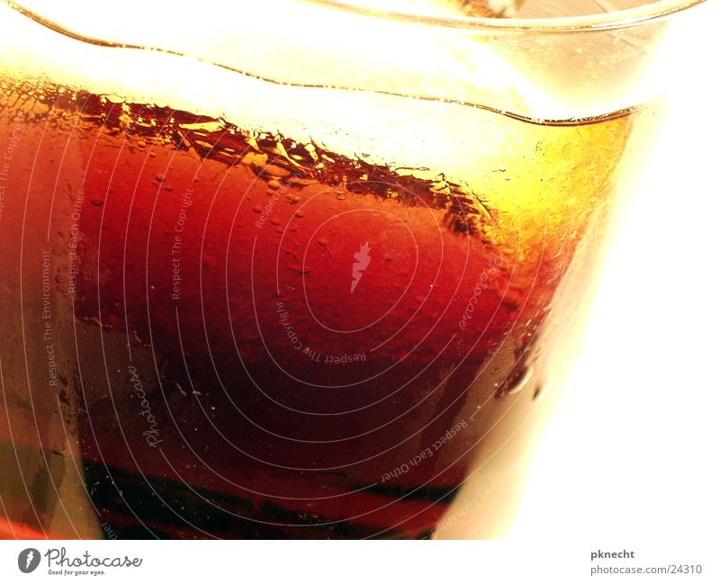 Sommer - Sonne - Cola kalt Wärme Eis Glas nass frisch Getränk Coolness trinken Physik Erfrischung Durst Kühlung