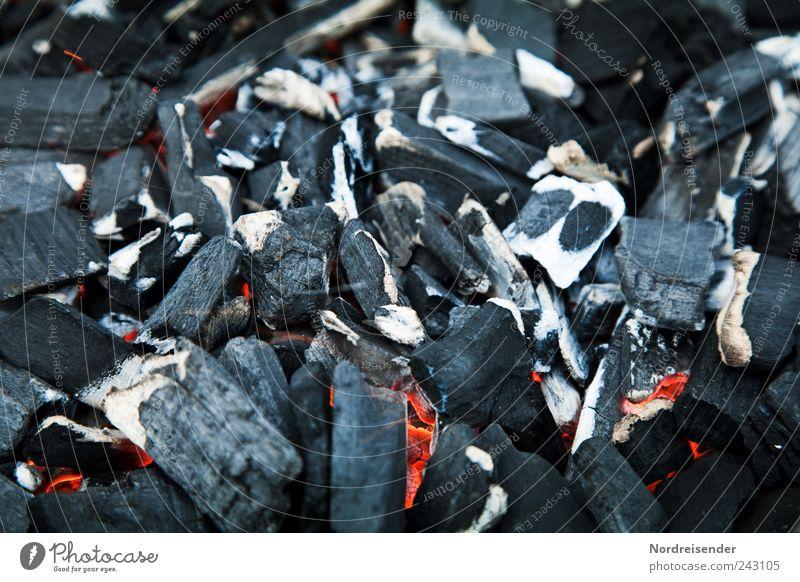 Warm Grill Kohle Holzkohle Glut glühen brennen Grillen schwarz holzkohlegrill Strukturen & Formen Oberfläche heizen Feuer Farbfoto Außenaufnahme Menschenleer