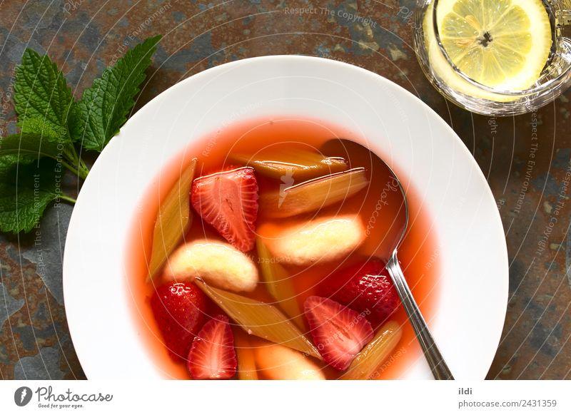 Erdbeer-Rhabarber-Suppe mit Grießknödel Frucht Eintopf Dessert frisch Lebensmittel Beeren Erdbeeren Knödel kalt gedünstet Kompott süß Amuse-Gueule Snack