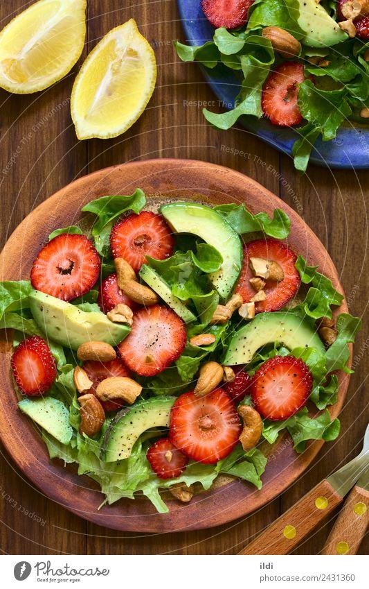 Speise Frucht frisch Gemüse Beeren Mahlzeit Vegetarische Ernährung Salat Salatbeilage Zitrone Erdbeeren vertikal roh Snack gebastelt