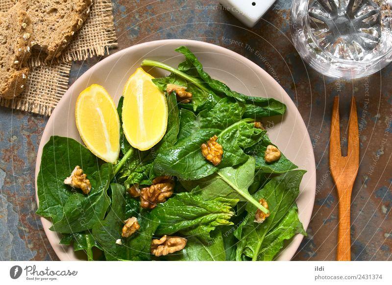 Spinat-Walnuss-Salat Gemüse Vegetarische Ernährung frisch Lebensmittel Salatbeilage Nut Walnussholz roh Vegane Ernährung Gesundheit Speise Seite Snack Zitrone