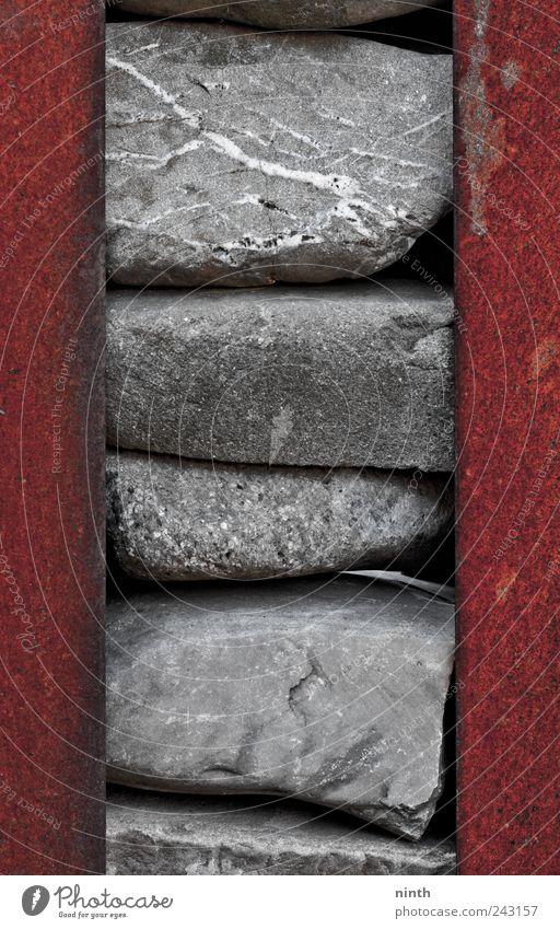 stone and iron schön alt rot ruhig schwarz Gefühle Stein Zufriedenheit Stimmung braun Kraft Metall elegant ästhetisch nah Frieden