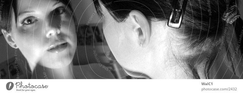 Spieglein, Spieglein an der Wand 02 Frau weiß schwarz Gesicht Haare & Frisuren Spiegel Dame Hals lasziv Spange