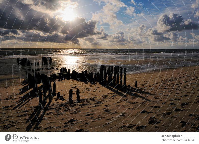 Strandsehnsucht Natur Wasser weiß Sonne Meer blau Sommer Ferien & Urlaub & Reisen ruhig Wolken gelb Erholung Sand Landschaft Küste