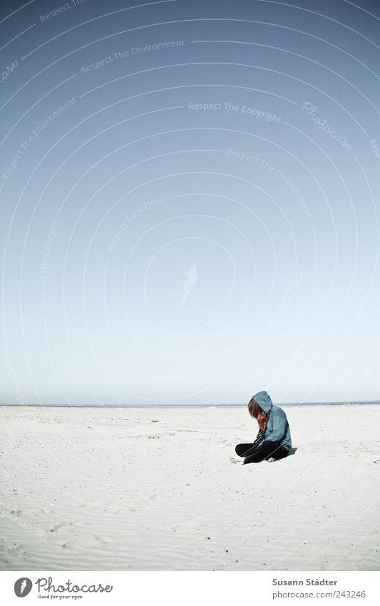Spiekeroog | Sandkind Mensch Meer Strand Einsamkeit ruhig Erholung Küste Traurigkeit Angst Nordsee Schönes Wetter Meditation Zukunftsangst Fernweh