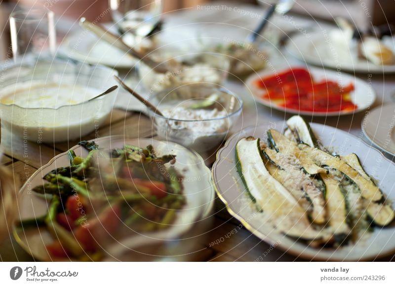 Italienische Vorspeisen Ernährung Gesundheit Lebensmittel Kräuter & Gewürze Geschirr Gemüse genießen Teller Festessen Schalen & Schüsseln Besteck Speisetafel