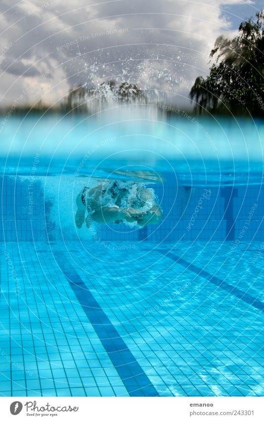 abgetaucht Mensch Himmel Mann blau Wasser schön Freude Erwachsene Erholung kalt Sport Luft Wellen Freizeit & Hobby Schwimmen & Baden maskulin