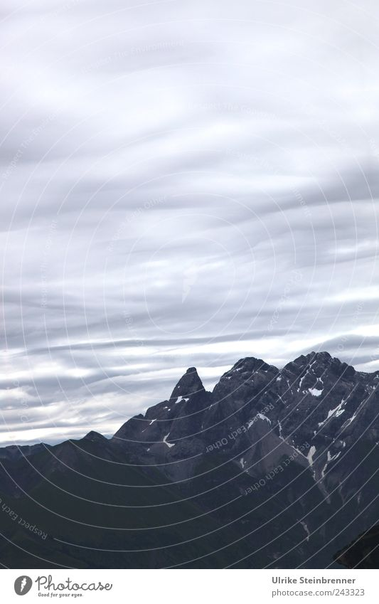Auf Augenhöhe Umwelt Natur Landschaft Himmel Wolken Sommer schlechtes Wetter Felsen Alpen Berge u. Gebirge Allgäuer Alpen Oberstdorf Bayern Gipfel