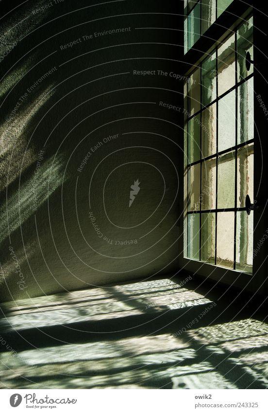 Hinterglasmalerei grün weiß ruhig schwarz Wand Fenster Architektur grau Mauer Gebäude hell Glas glänzend Kirche Hoffnung leuchten