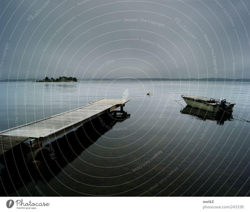 Abend am Meer Freiheit Umwelt Natur Landschaft Wasser Himmel Wolken Horizont schlechtes Wetter Baum Küste Bucht Insel Västervik Schweden Nordeuropa Motorboot