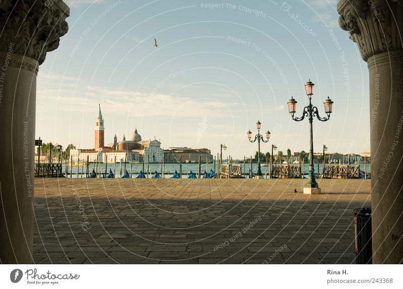 Warten auf den Ansturm Ferien & Urlaub & Reisen Tourismus Sightseeing Städtereise Himmel Sommer Schönes Wetter Venedig Italien Hafenstadt Altstadt Menschenleer