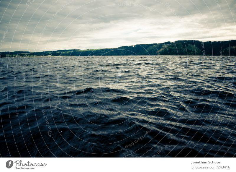 Beginn einer Weltumschwimmung Himmel Natur Wasser blau Wolken Ferne dunkel Landschaft Bewegung Küste Luft See Wind Horizont Schwimmen & Baden Insel