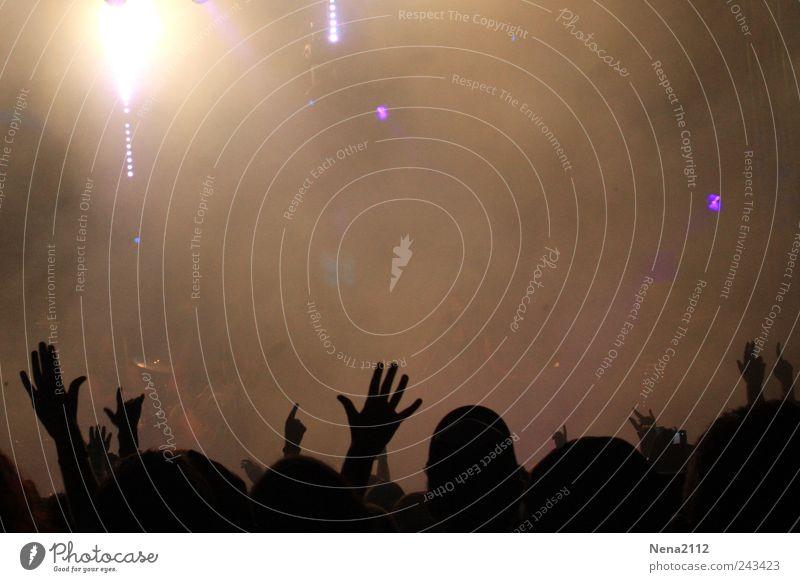 Zugabe! Nachtleben Party Veranstaltung Musik Feste & Feiern Jugendkultur Musik hören Konzert Open Air Bühne Tanzen toben braun schwarz Stimmung Freude