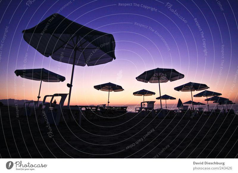 Paradies des Pauschalurlaubers blau Ferien & Urlaub & Reisen Sommer Meer Strand schwarz ruhig Erholung Landschaft Freiheit Küste Horizont Tourismus