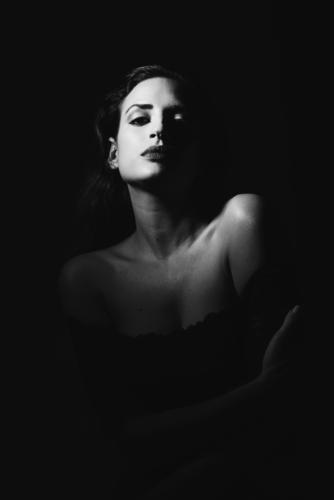 Frau Mensch Jugendliche Junge Frau schön 18-30 Jahre schwarz Gesicht Erwachsene feminin Stil Mode Körper elegant Haut niedlich