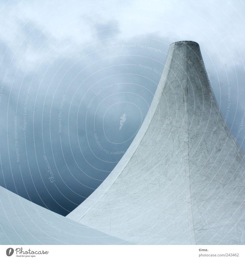 Erhobenen Hauptes Himmel weiß blau Wolken grau Wetter Dach Schutz Spitze Tuch Zelt Textilien Wetterschutz Naht Schutzdach samtig