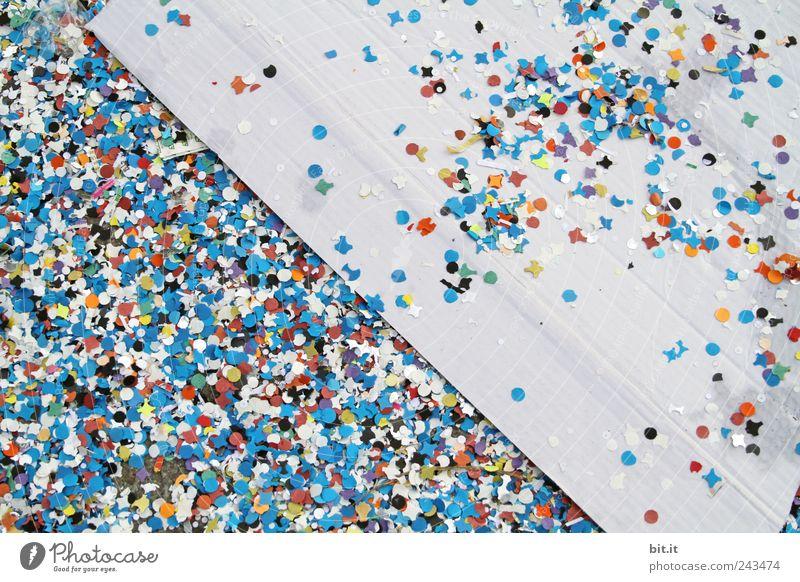 650 - Konfetti - Bumm Bumm Freude Feste & Feiern Party liegen Dekoration & Verzierung Geburtstag Fröhlichkeit rund Papier Zeichen Hochzeit Kultur Jahreszeiten