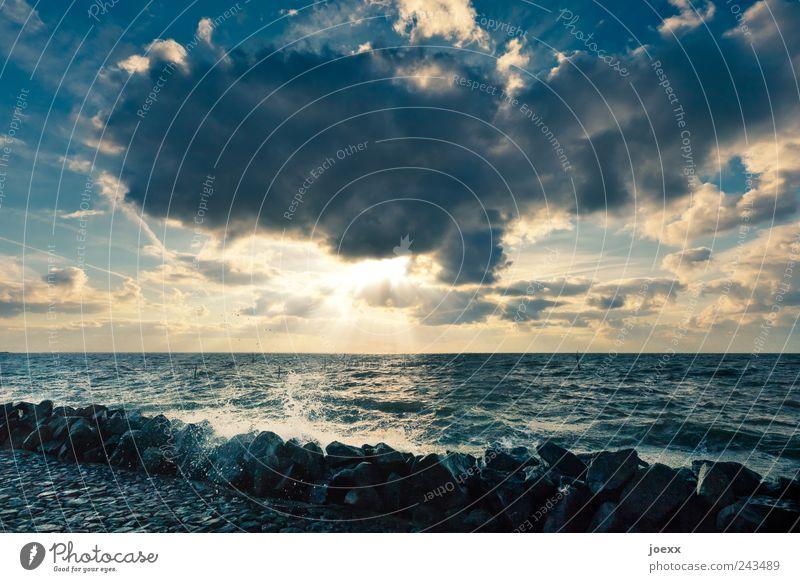 Noch Meer Himmel blau Wasser Sonne Einsamkeit Wolken Umwelt gelb Küste Freiheit Stimmung Horizont wild Wetter Freizeit & Hobby