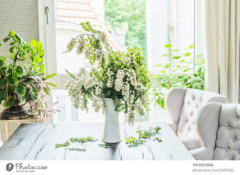 Akazien Blumenstrauß auf dem Tisch in Wohnzimmer Lifestyle Stil Design Sommer Häusliches Leben Wohnung Haus Traumhaus Garten Natur Frühling Pflanze Blatt Blüte
