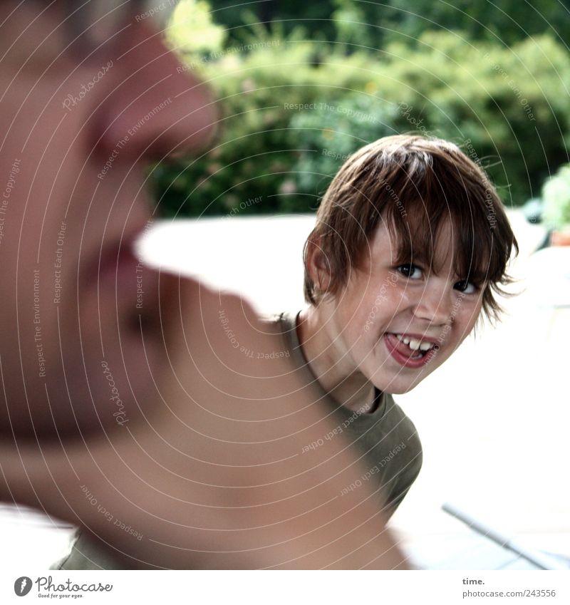 Störungen haben Vorrang Freude Gesicht Spielen Mensch maskulin Junge Mann Erwachsene Kindheit Kopf Auge 2 3-8 Jahre 45-60 Jahre Bewegung Gelassenheit
