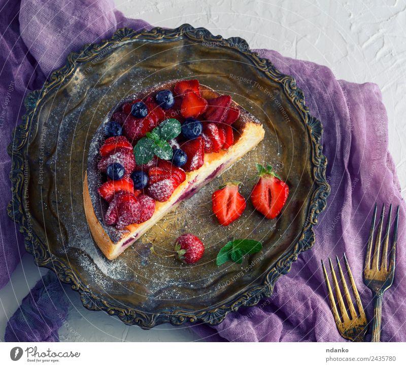 Farbe grün weiß rot Blatt Speise Frucht hell Ernährung frisch Tisch lecker Dessert Beeren Teller Scheibe