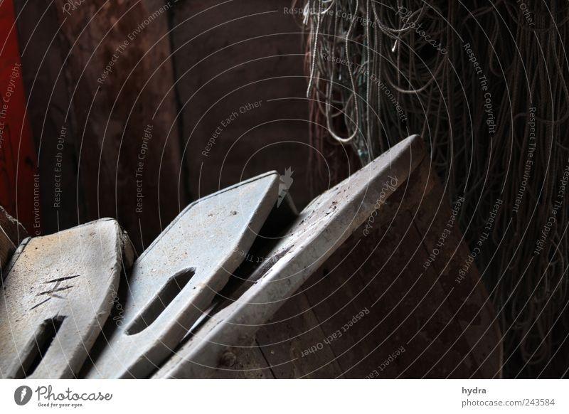 Nostalgie Dachboden Fischereiwirtschaft fischen Netz Fischkiste Kiste Schifffahrt Kasten Tablett Holz warten alt braun grau ruhig Armut Idylle Vergangenheit