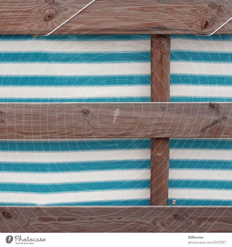 Sichtschutz blau weiß schön ruhig Erholung Holz Architektur Linie Treppe Streifen retro einzigartig Kunststoff Geländer trashig Meditation