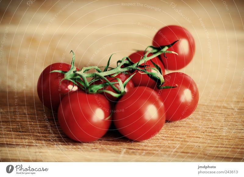 Tomaten Natur rot Pflanze Gesundheit Zusammensein liegen Lebensmittel frisch Ernährung Kochen & Garen & Backen Küche genießen Gemüse Lebensfreude lecker