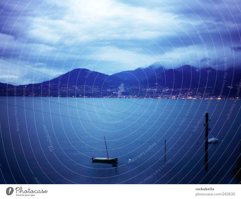 lac léman. Ferien & Urlaub & Reisen Tourismus Ausflug Sommer Berge u. Gebirge Umwelt Natur Landschaft Himmel Wolken Nachthimmel Horizont Klima Wetter blau