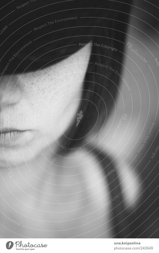 behütet Mensch Frau Jugendliche Gesicht Erwachsene dunkel feminin kalt Gefühle Mode elegant Mund Nase außergewöhnlich ästhetisch 18-30 Jahre