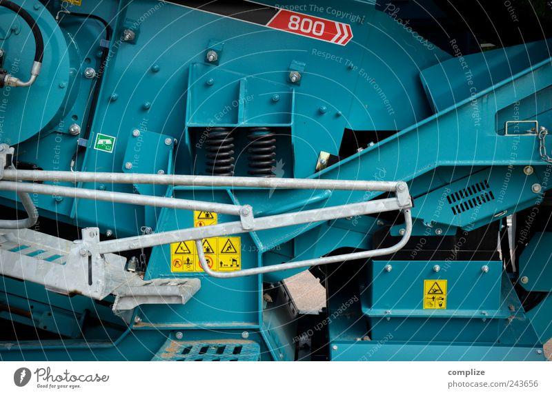 Machine grün blau Stein Metall Beton Schilder & Markierungen Verkehr Industrie Zukunft Technik & Technologie Fabrik Baustelle Handwerk Maschine Wirtschaft Fahrzeug
