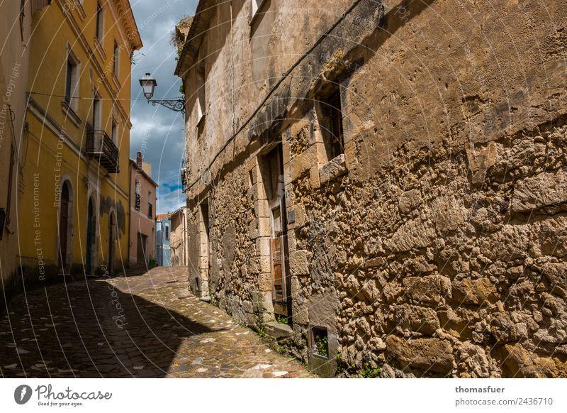 alte Gasse, Sardinien Ferien & Urlaub & Reisen Tourismus Ausflug Städtereise Sommer Himmel Schönes Wetter Sedini Italien Kleinstadt Stadtzentrum Altstadt