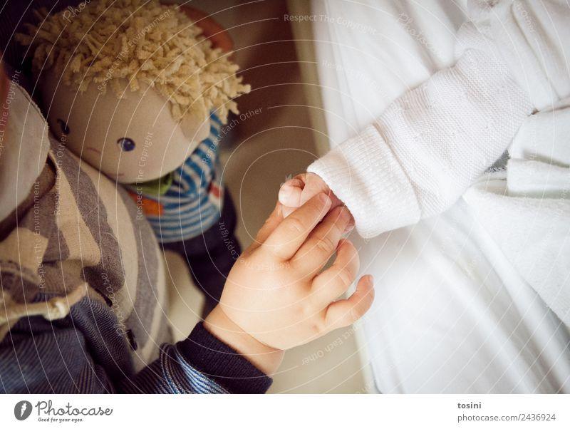 Kleiner Bruder Hand Finger 0-12 Monate Baby 1-3 Jahre Kleinkind Glück Geschwister Schwester Puppe Zusammenhalt Vertrauen Schutz schutzlos Liebe Zuneigung