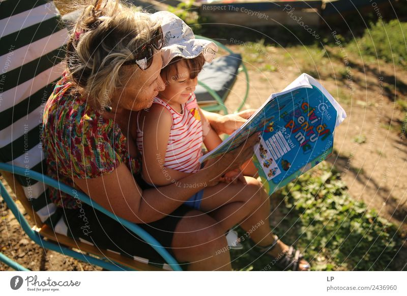 Frau Kind Mensch Freude Erwachsene Lifestyle sprechen Spielen Schule Arbeit & Erwerbstätigkeit Freizeit & Hobby Fröhlichkeit Erfolg lernen Studium lesen