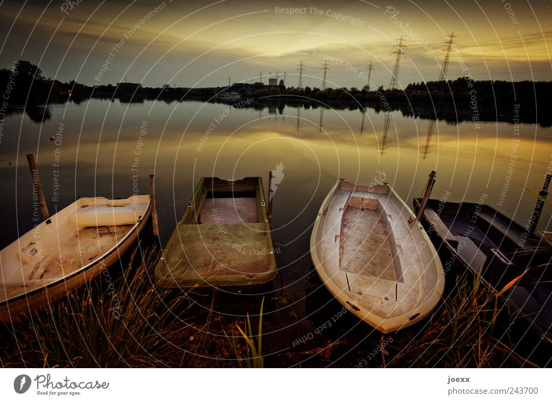Still ruht der See Freizeit & Hobby Angeln Ferien & Urlaub & Reisen Sommer Wasser Himmel Wolken Sonnenaufgang Sonnenuntergang Küste Fischerboot Ruderboot alt