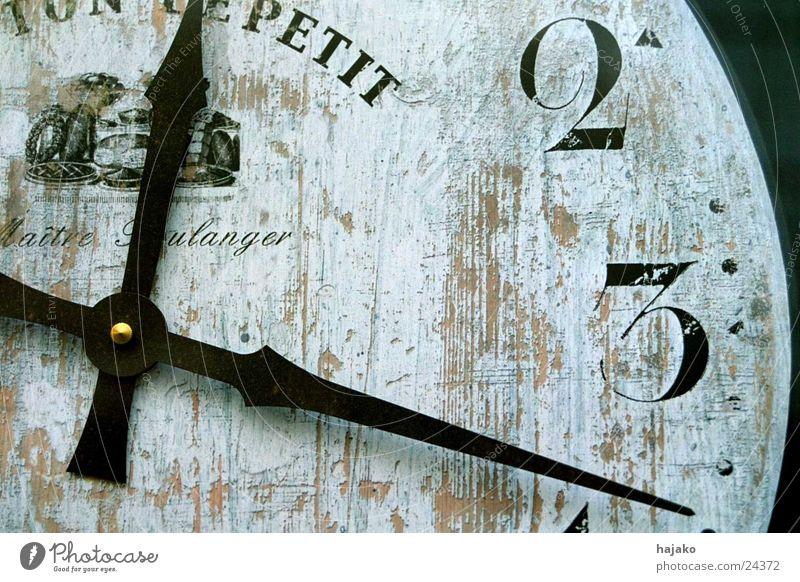 U(h)rzeit weiß schwarz Uhr Ziffern & Zahlen Frankreich Fototechnik Uhrenzeiger Zifferblatt
