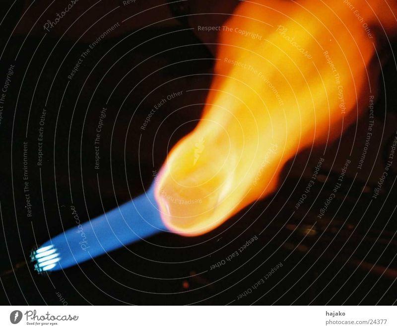 Feuer und Flamme blau Wärme Glas Physik Handwerk Gas Druck