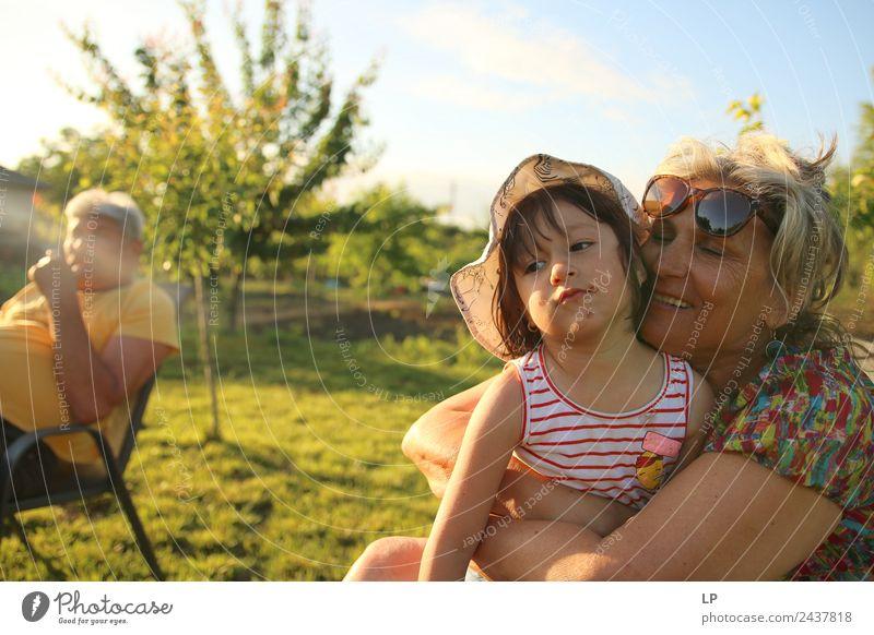 Frau Kind Mensch Erwachsene Leben Senior lustig Gefühle feminin Familie & Verwandtschaft Stimmung Kommunizieren Kindheit authentisch Baby Hoffnung