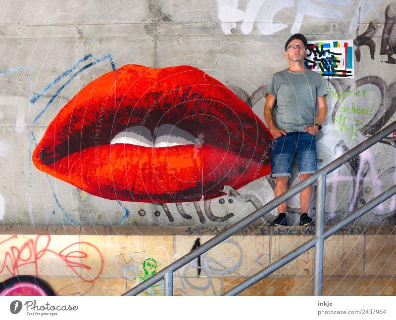 dicke Lippe | UT Dresden Lifestyle Stil schön Lippenstift Freizeit & Hobby maskulin Mann Erwachsene Leben Mund 1 Mensch 30-45 Jahre 45-60 Jahre Graffiti Mauer