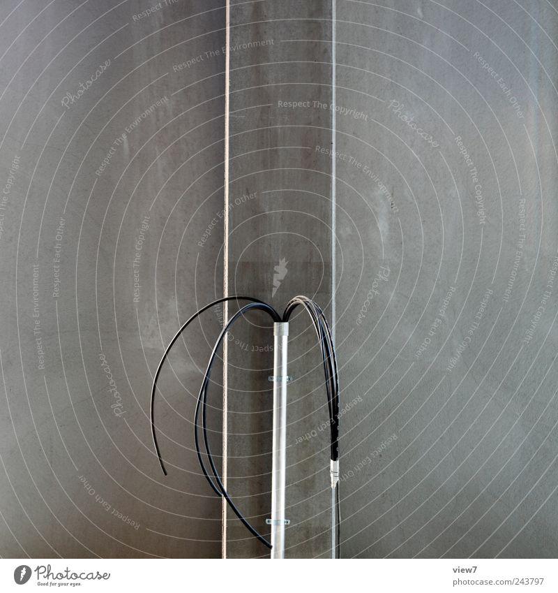 Anschluss gesucht dunkel grau Linie Metall planen Beton Energie Beginn Energiewirtschaft modern Ordnung ästhetisch Netzwerk neu Kabel authentisch
