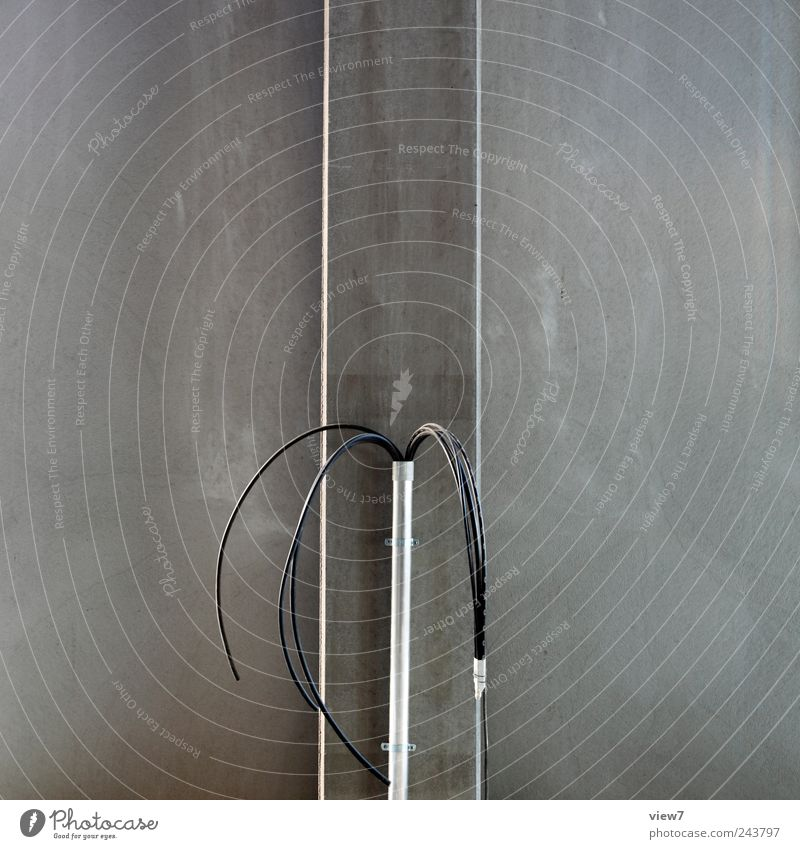 Anschluss gesucht Handwerker Baustelle Energiewirtschaft Kabel Beton Metall Linie Streifen ästhetisch authentisch dunkel einfach modern neu grau Beginn Netzwerk
