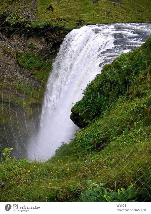 Skaftafell Nationalpark 02 Island Umweltschutz unberührt grün Wiese Europa Wasser Wasserfall Natur Kraft Energiewirtschaft
