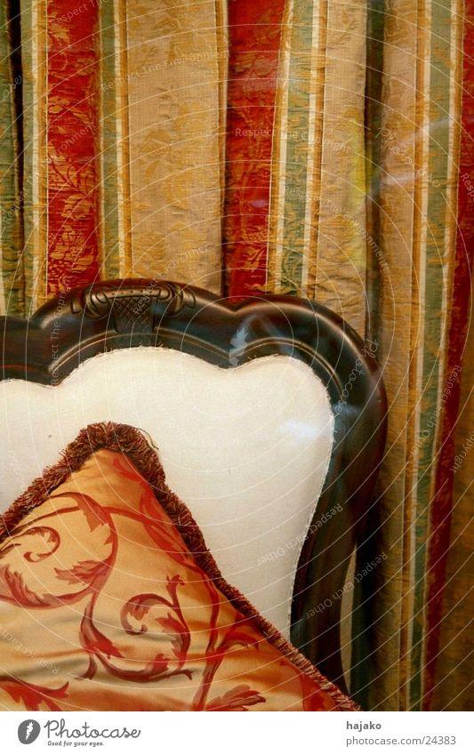 Ruhekissen Kissen Stoff Vorhang Seide antik Häusliches Leben Stuhl