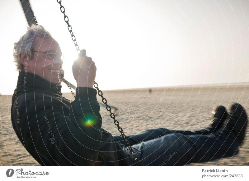 Spiekeroog | Das Leben ist schön Mensch Himmel Mann blau Sonne Freude Einsamkeit Erwachsene Umwelt Spielen Freiheit oben Bewegung Beine fliegen hoch